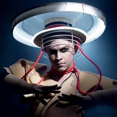 Album_Cover_Crap_401_fischerspooner-the-entertainer
